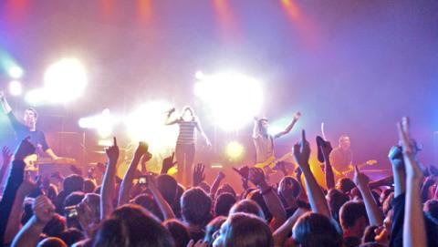 wiko carga smartphones low festival
