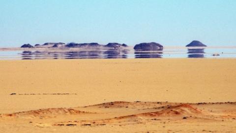 Andaluces consiguen crear agua en pleno desierto