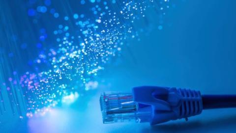 Jazztel podría aumentar la velocidad de conexión de sus clientes de fibra a los 350 megas simétricos