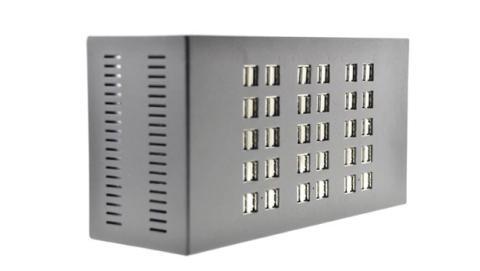 Un cargador USB para conectar hasta 60 dispositivos a la vez