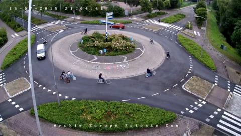 La rotonda holandesa de Purmerend, famosa en Internet gracias a Reddit y 4Chan