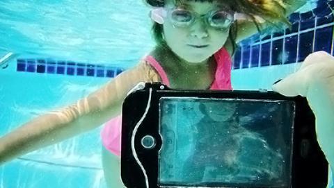 Las 7 mejores fundas acuáticas para tus gadgets