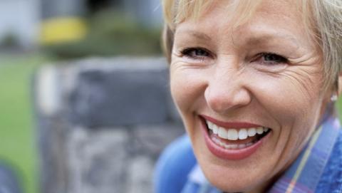 El riesgo de Alzheimer en mujeres es mayor que en los hombres