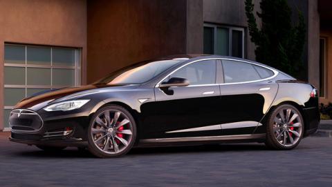 Tesla pierde 4.000 dólares cada coche vendido