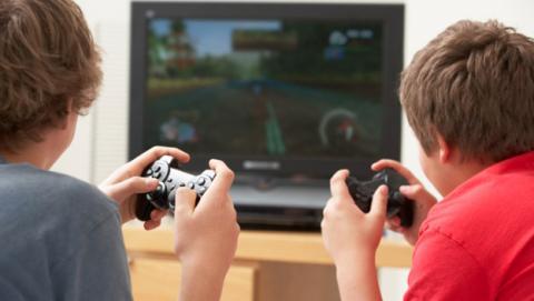 Nos hacen violentos videojuegos Psicólogos creen sí