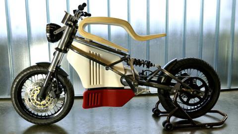 Una moto eléctrica con un iPhone como panel de instrumentos
