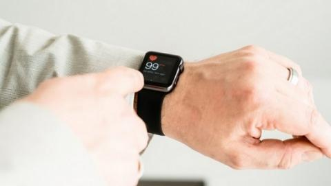El pulsómetro del Apple Watch salva la vida a un adolescente