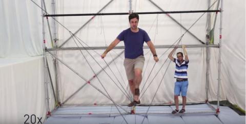 Drones construyen puente de cuerda