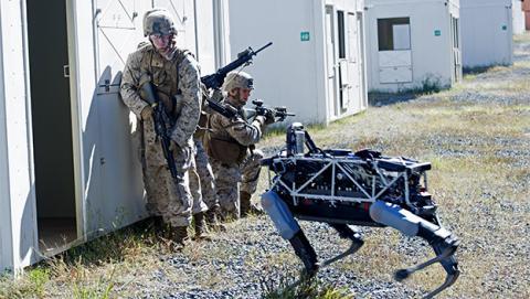 Los marines de EE.UU. prueban el robot cuadrúpedo de Google