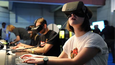 """Oculus Rift costaría """"al menos, 300 dólares"""" según su creador"""