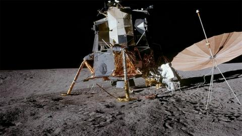 NASA revela miles de fotos en HD y color de los viajes a la Luna