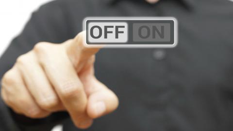 Tal vez mañana te levantes y te hayan cerrado Internet