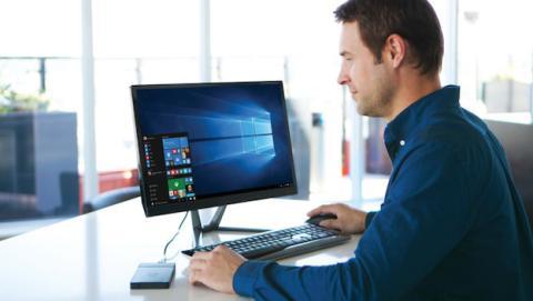 Kangaroo, el ordenador con Windows 10 que cabe en tu bolsillo