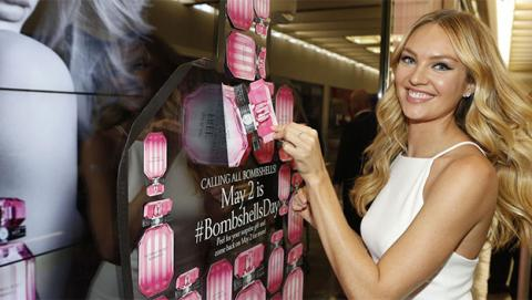 El perfume de Victoria's Secret Bombshell funciona como repelente de mosquitos