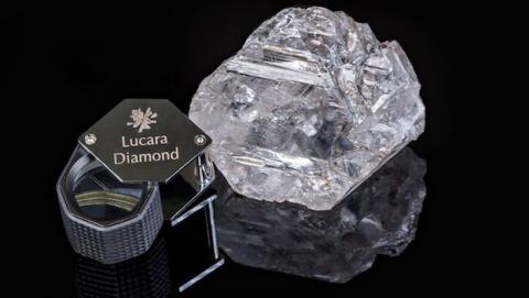 Descubren el diamante más grande del siglo, con 1.111 quilates
