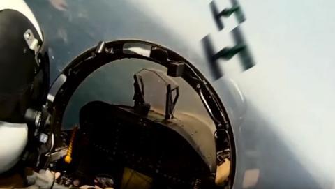 La Armada americana y la Selección Española de Fútbol parodian el trailer de Star Wars VII con aviones reales.