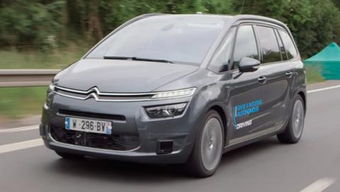 El primer coche autónomo en España viaja de Vigo a Madrid