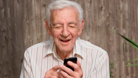 Los 7 mejores móviles para mayores de 2015