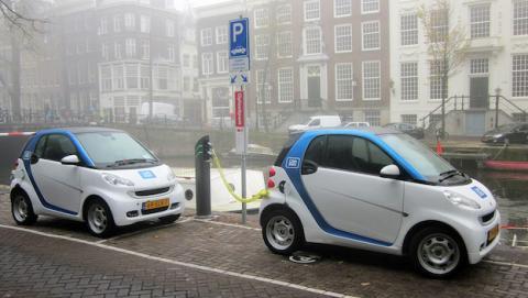 Proyecto español duplica la batería de los coches eléctricos