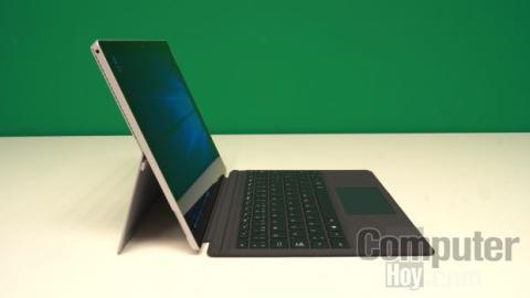 Microsoft Surface Pro 4 Kickstand