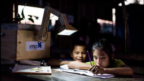 Crean lámparas con plantas que obtienen la energía del suelo