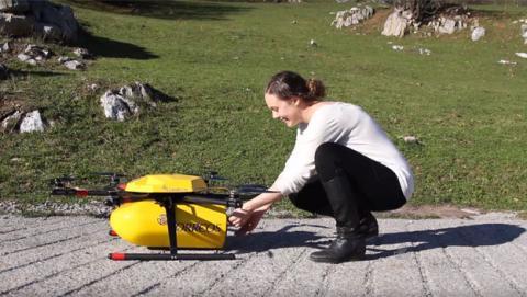 Correos enviará paquetes con drones