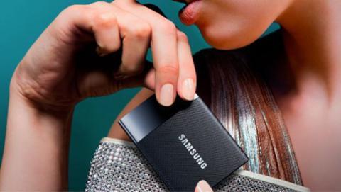 El disco SSD no contiene partes móviles, por lo que su resistencia a fallos producidos por golpes o caídas es muy superior