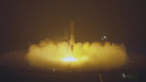 Space X logra aterrizar por primera vez un cohete en la tierra