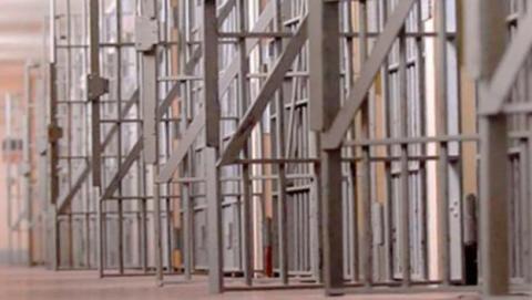 Fallo en el software de prisiones libera a miles de presos