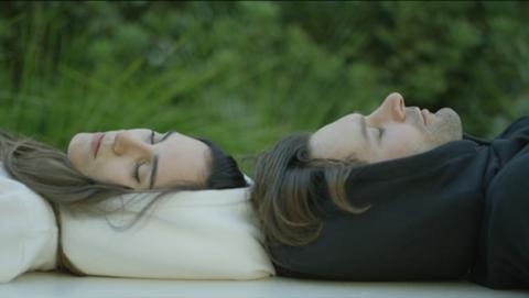 Hypnos, sudadera con almohada