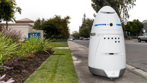 Robots policía knightscope K5 ya patrullan las calles de California