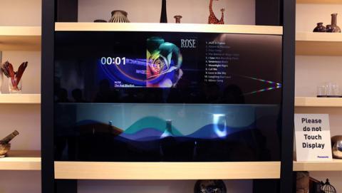 televisión con pantalla transparente de Panasonic