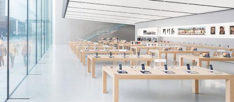 Tienda de Apple con dispositivos de la compañía
