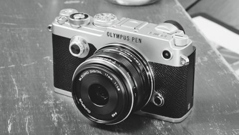 Olympus Pen-F, una cámara clásica con engranaje digital   Tecnología ...