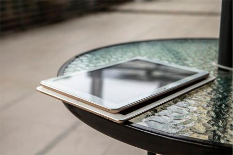 La Chuwi Hi12 tiene un tamaño más reducido que el iPad Pro