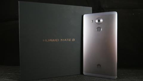 Unboxing del Huawei Mate 8