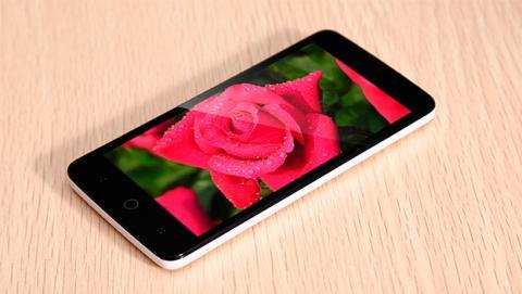 TCL 302U. Android de gama de entrada por menos de 70 dólares