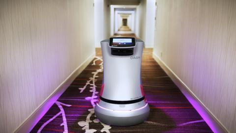 Robot Relay, servicio de habitaciones