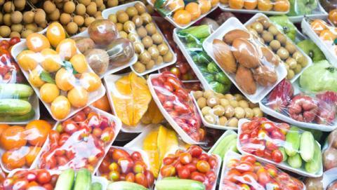Resultado de imagen para plastico para envolver los alimentos