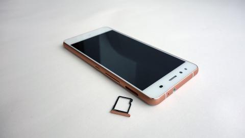 botones y micro SD del bq Aquaris X5