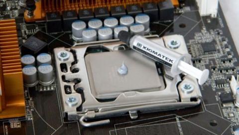 La pasta térmica es un compuesto que favorece la transmisión del calor desde el procesador al disipador.