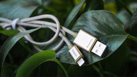 El cable Lightning de carga de Lumsing está disponible en diferentes colores y acabados.
