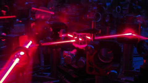 Desarrollan un algoritmo que propone experimentos cuánticos