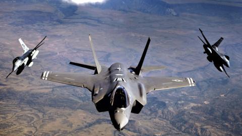 El desarrollo del f-35 Lightning II, el caza de combate más caro y avanzado del mundo, no para de dar disgustos