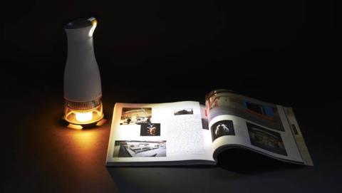 Lumir C, una lámpara LED que funciona gracias a una vela