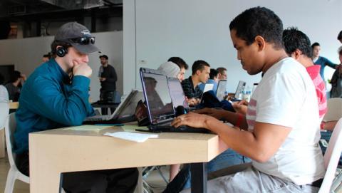 Obama anuncia que Google ofrecerá Internet en Cuba