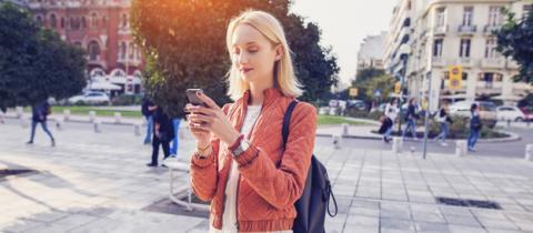 Ley contra el uso del móvil mientras se camina