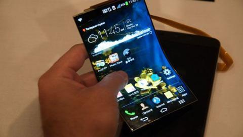 Smartphone con pantalla plegable de Samsung