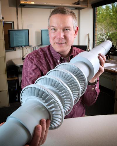 Turbina que genera electricidad para un pueblo