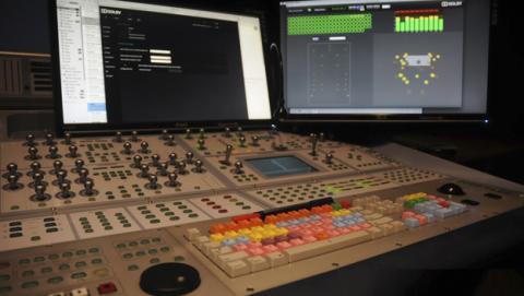 La tecnología del sonido en el doblaje de películas y series